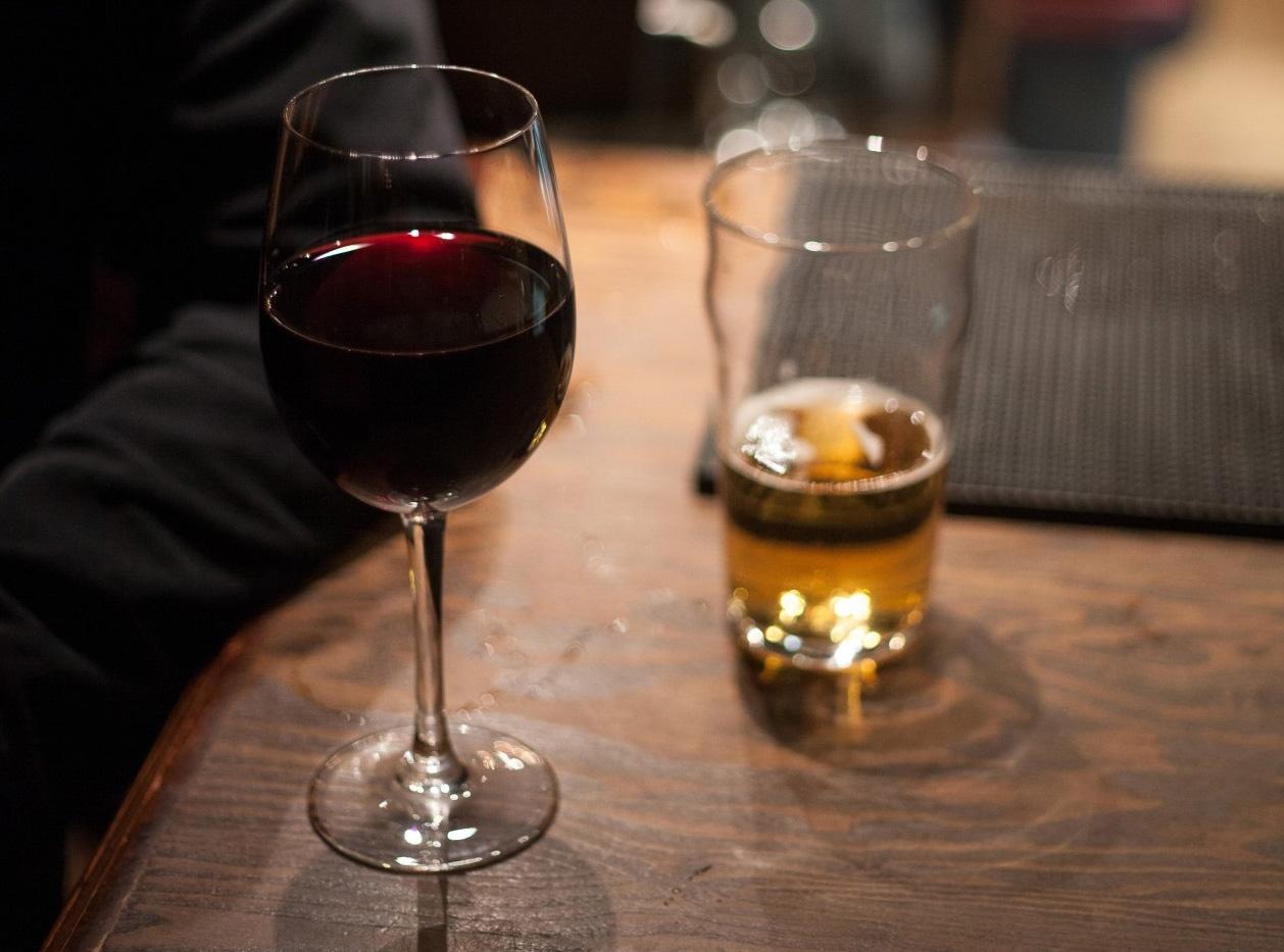 vino o cerveza: ventajas e inconvenientes